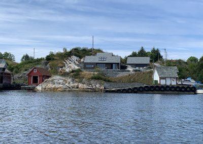 Bolig med garasje, Algrøy
